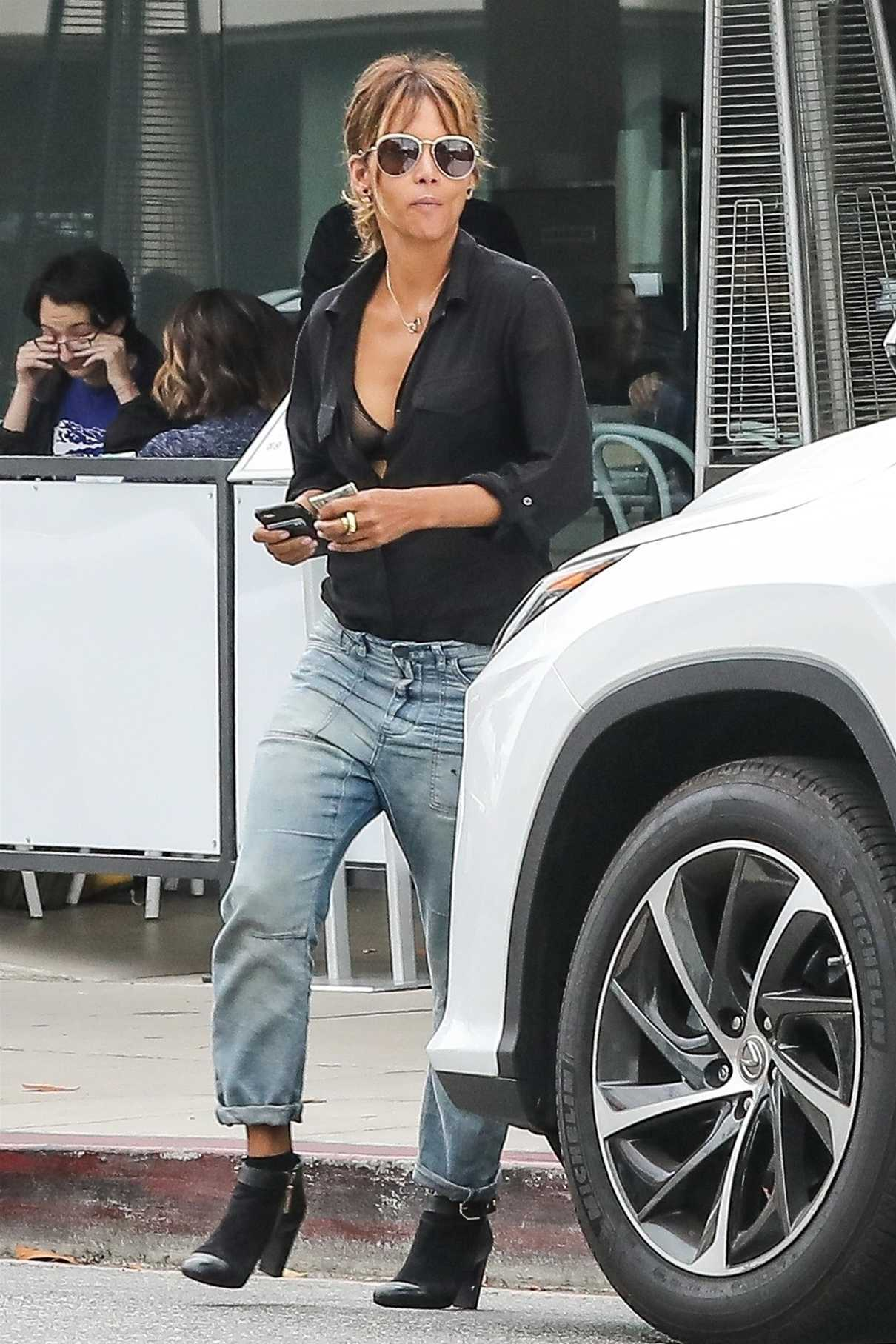 Halle Berry Was Seen Out in West Hollywood 06/16/2018-1