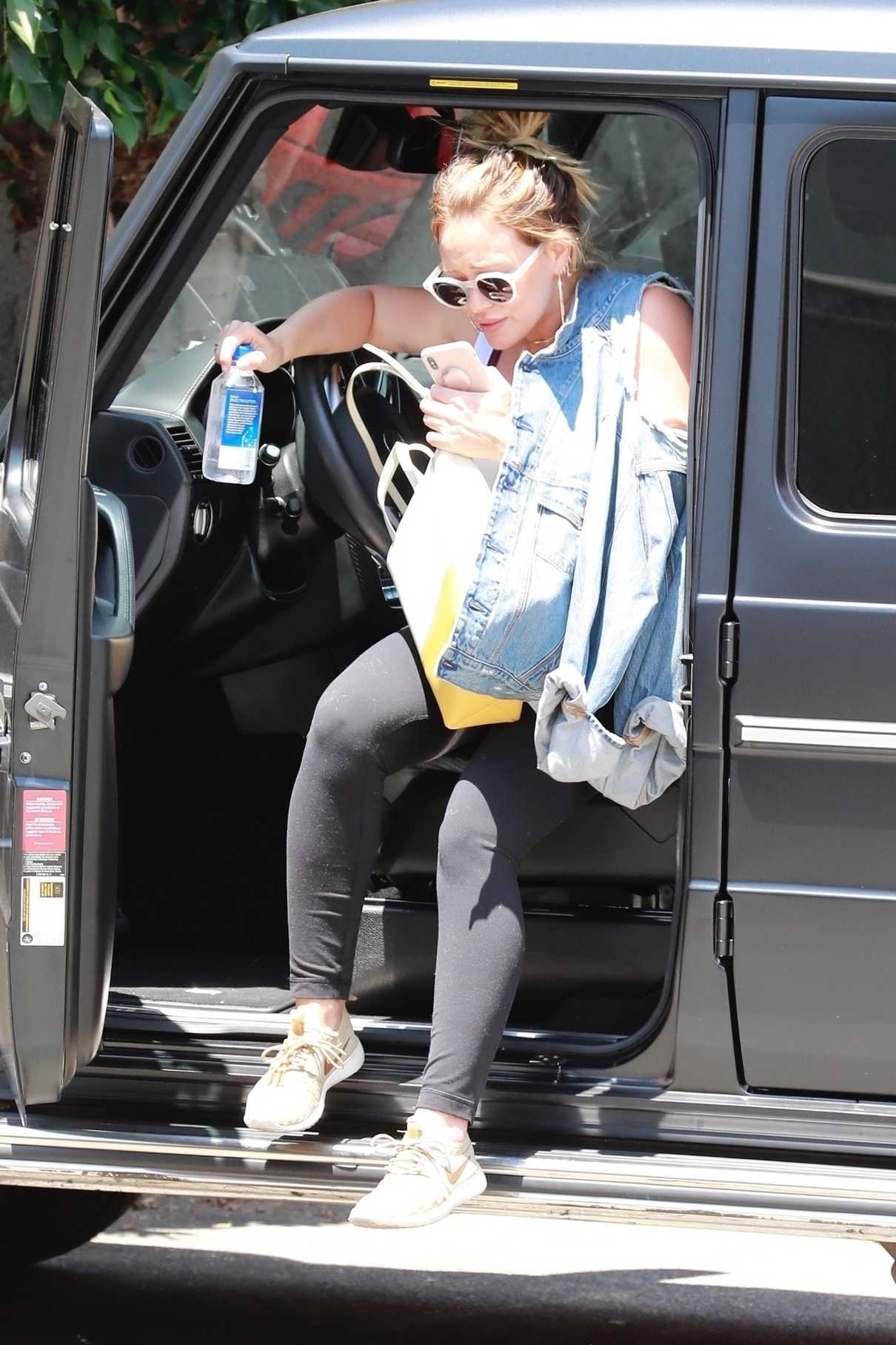 Hilary Duff Heads to the Gym in Studio City 06/18/2018-1