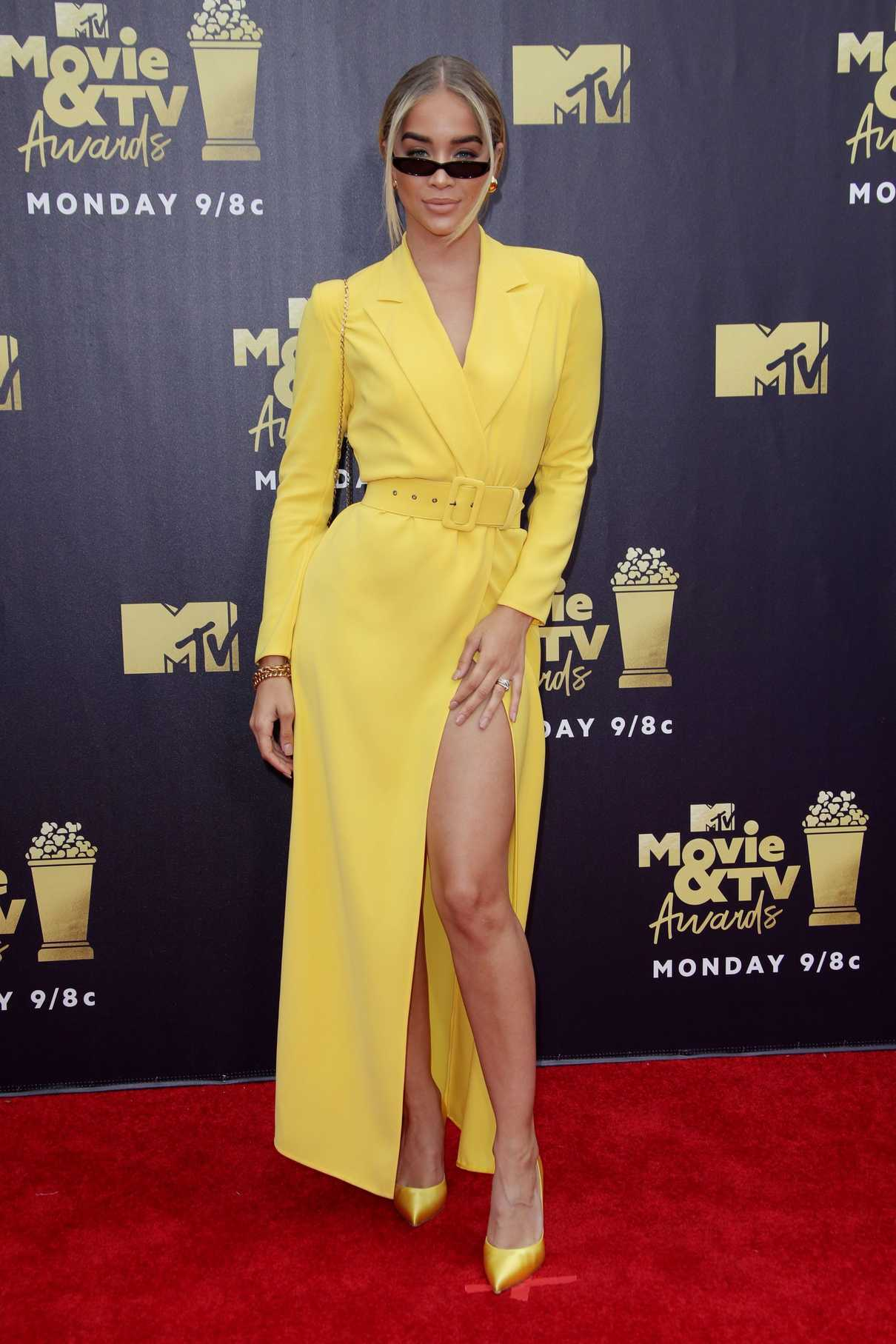 Jasmine Sanders Attends the 2018 MTV Movie and TV Awards in Santa Monica 06/16/2018-1