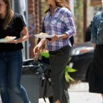 Jennifer Garner on the Set of the HBO Series Camping in Los Angeles 06/25/2018-4