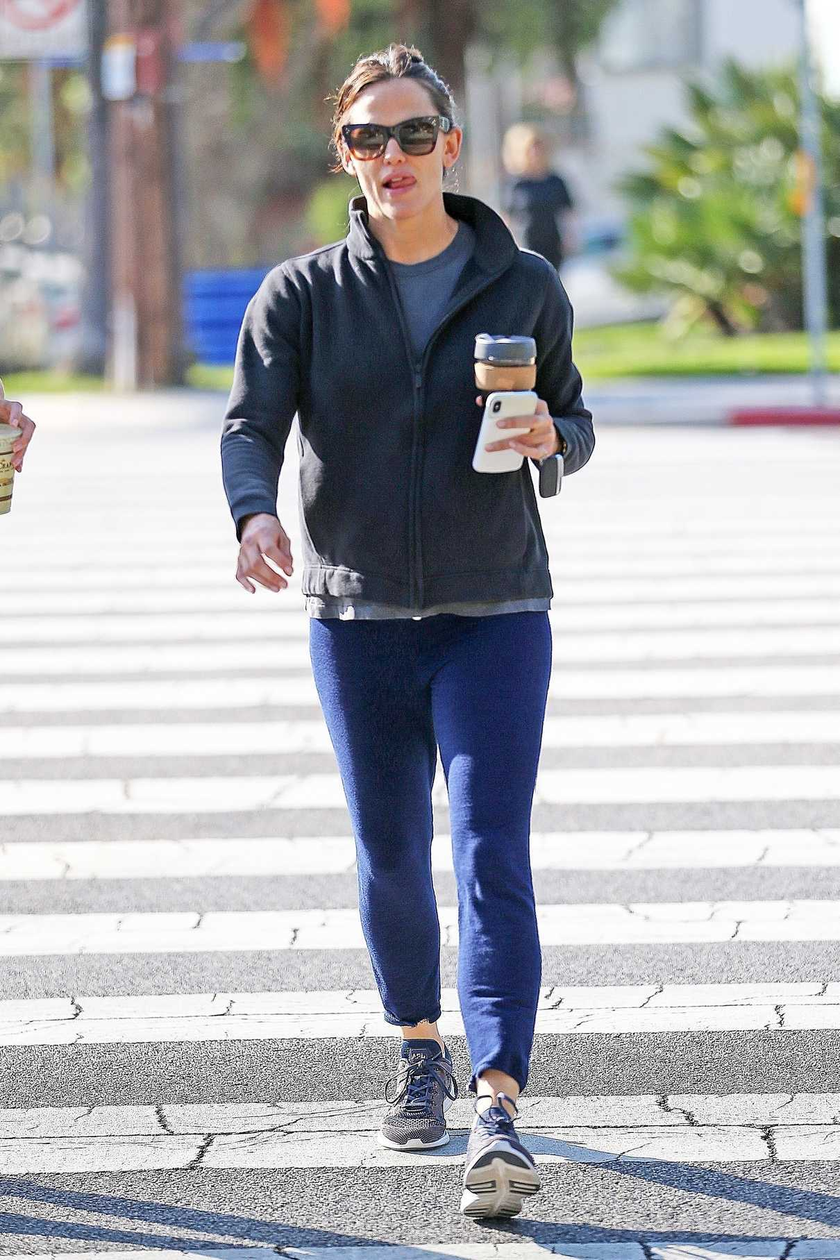 Jennifer Garner Was Seen Out in Los Angeles 06/08/2018-1