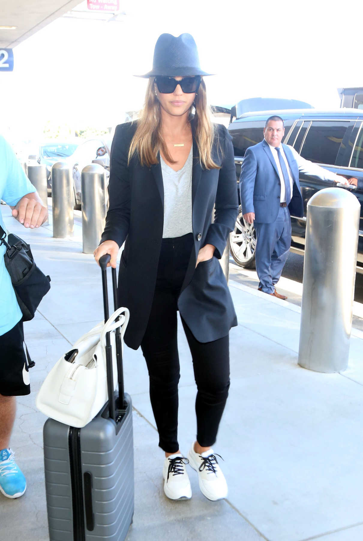 Jessica Alba Arrives at LAX Airport in Los Angeles 06/25/2018-1
