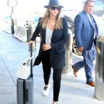 Jessica Alba Arrives at LAX Airport in Los Angeles 06/25/2018-3
