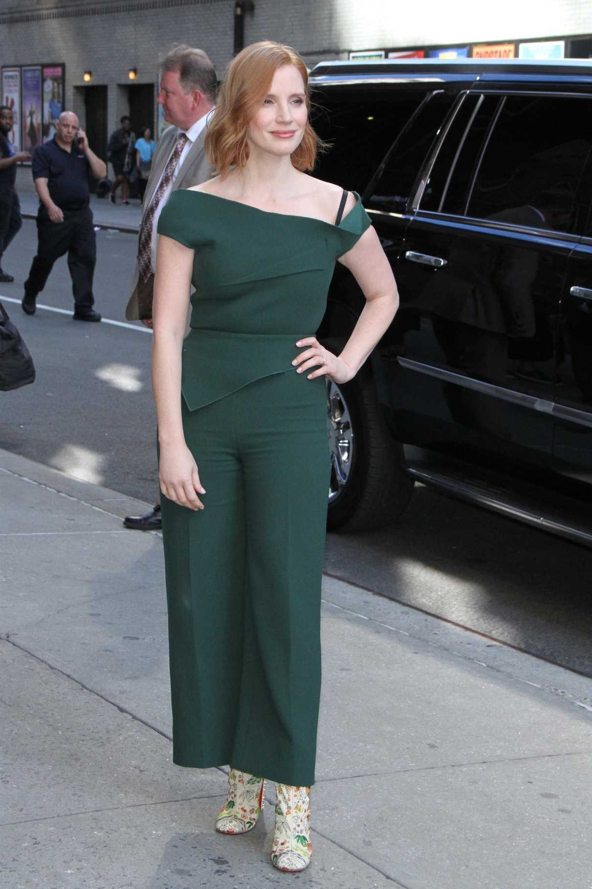 Jessica Chastain Arrives at The Late Show with Stephen Colbert in New York City 06/25/2018-1