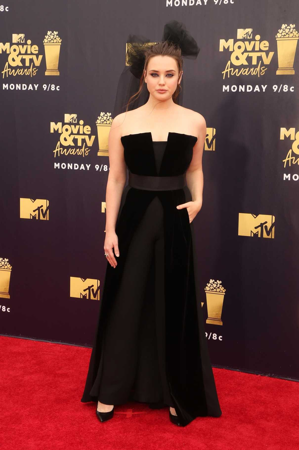 Katherine Langford Attends the 2018 MTV Movie and TV Awards in Santa Monica 06/16/2018-1