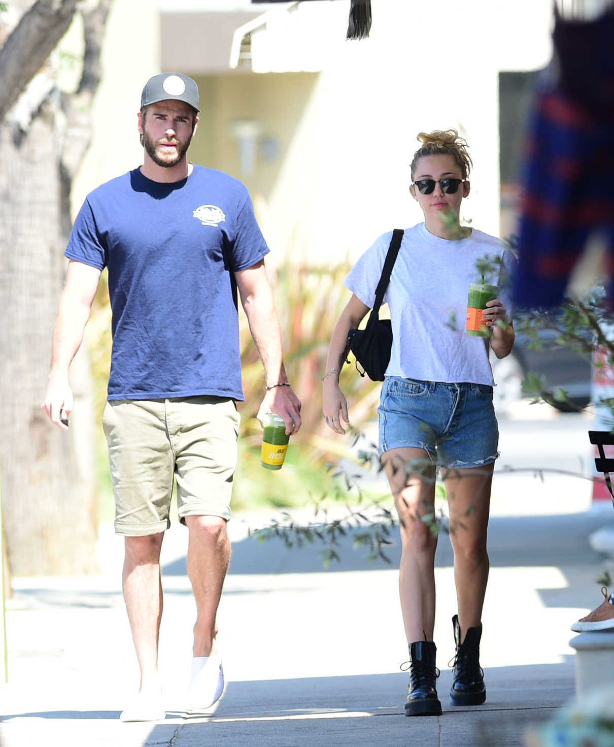 Miley Cyrus Arrives to Alfred's Cafe with Liam Hemsworth in Studio City 06/20/2018-1