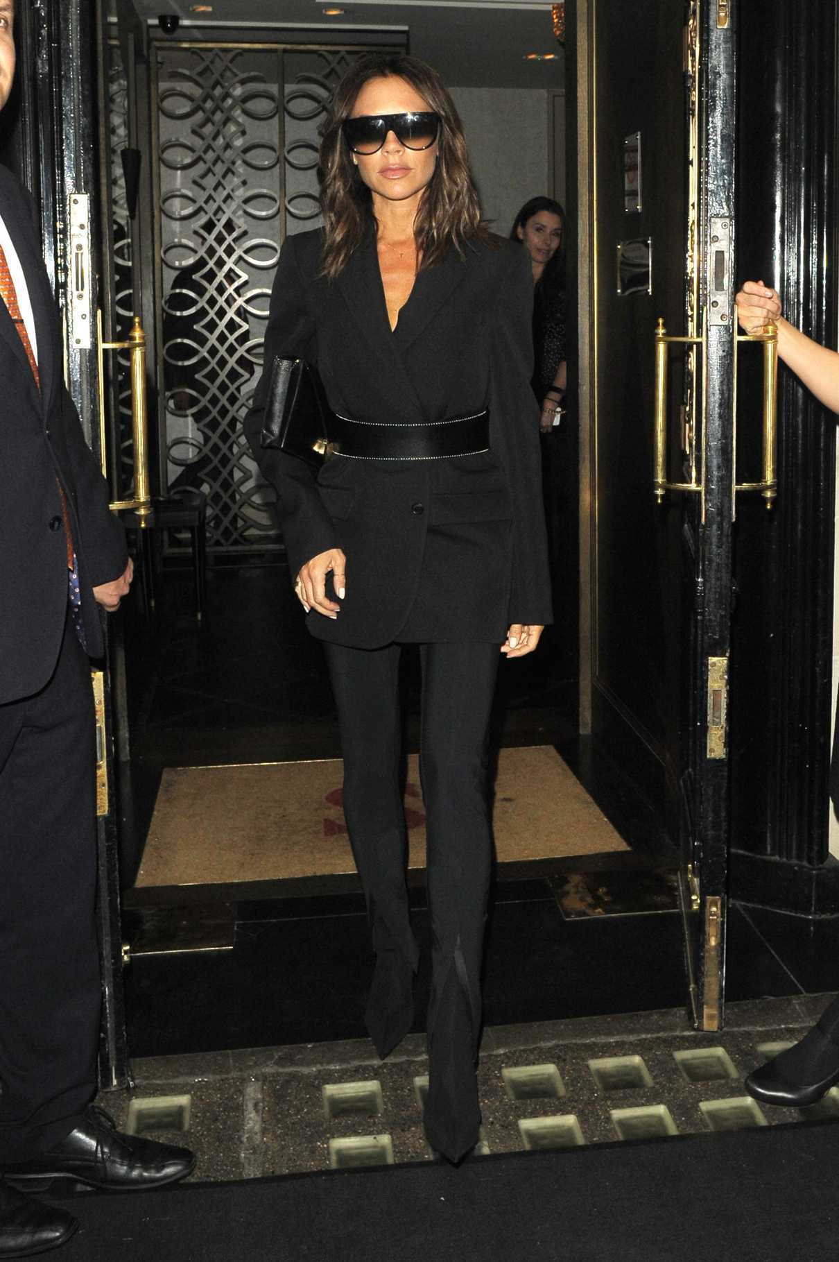 Victoria Beckham Leaves Scotts Restaurant in Mayfair in London 06/11/2018-1