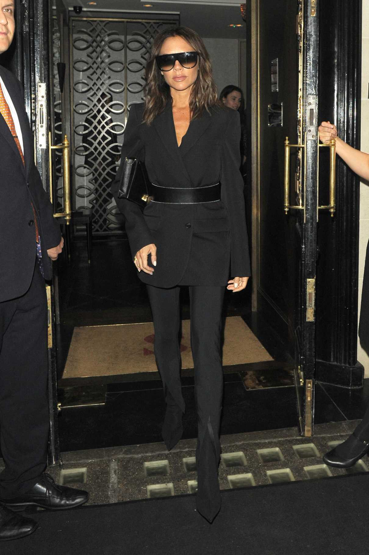 Victoria Beckham Leaves Scotts Restaurant in Mayfair in London 06/11/2018-2