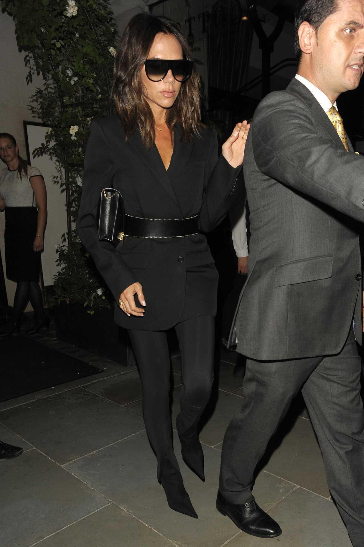 Victoria Beckham Leaves Scotts Restaurant in Mayfair in London 06/11/2018-5