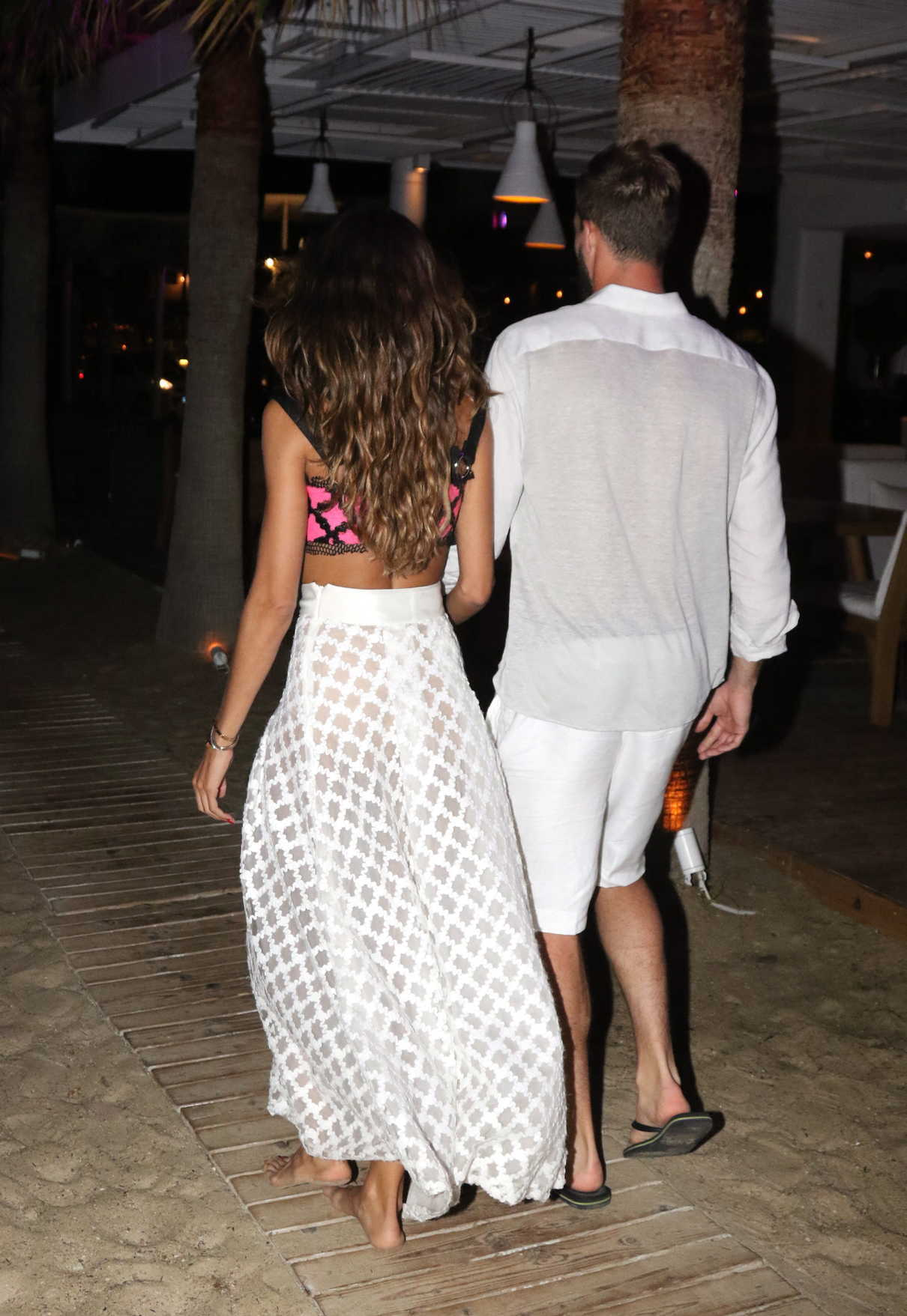 Izabel Goulart Was Spotted Out with Kevin Trapp on Mykonos Island in Greece 07/08/2018-5