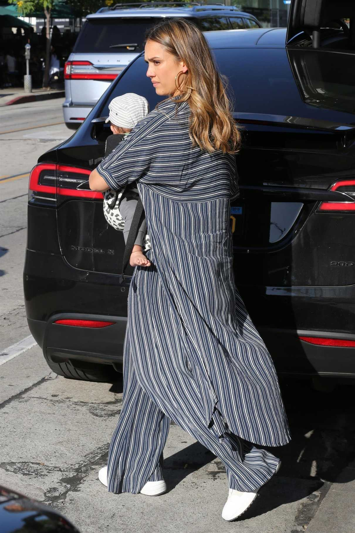 Jessica Alba Goes Shopping Out with Her Son Hayes in Beverly Hills 07/13/2018-5