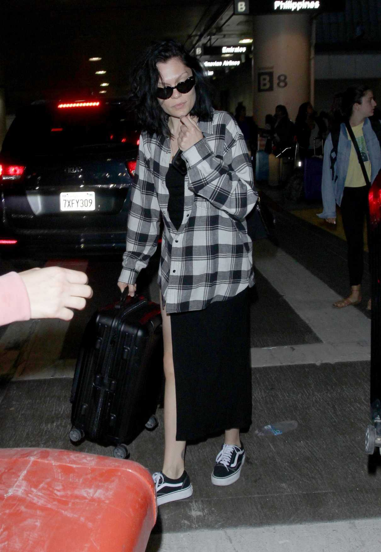 Jessie J Arrives to LAX Airport in Los Angeles 07/03/2018-1