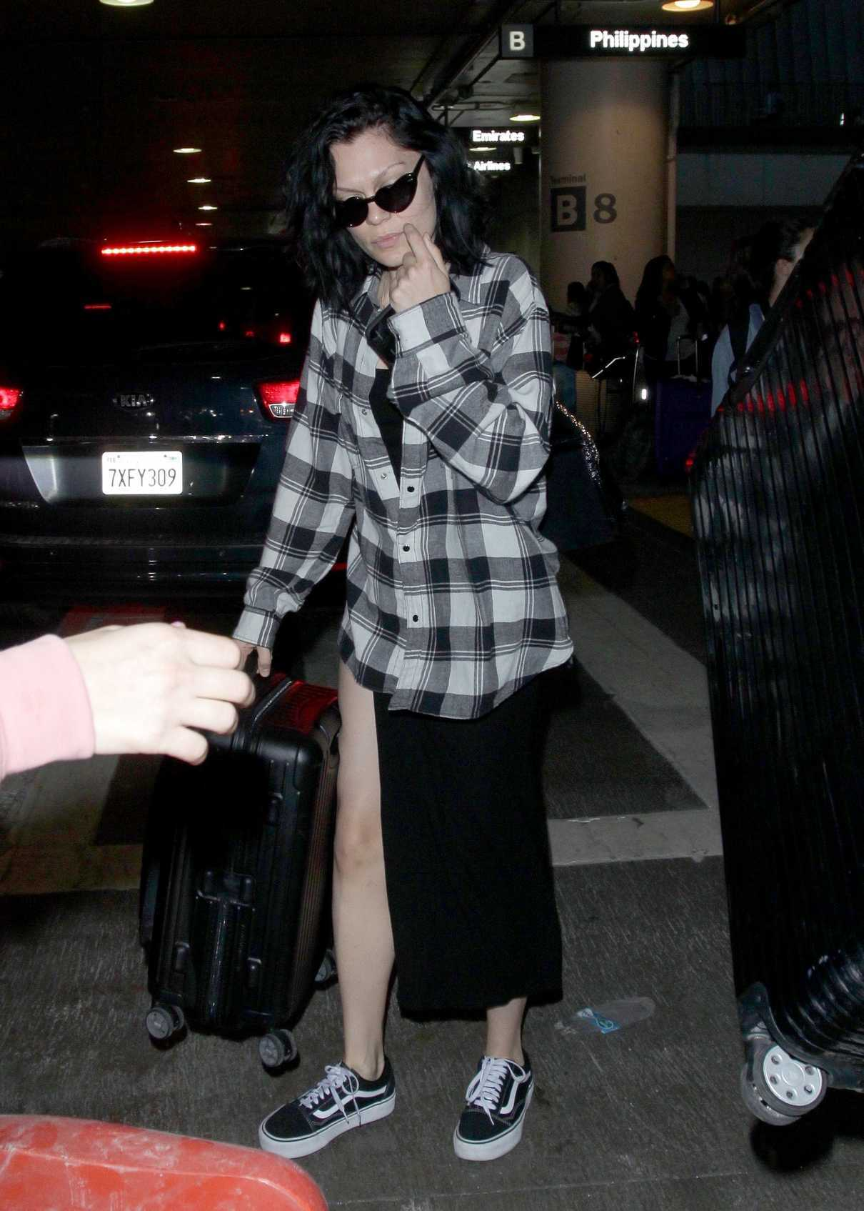 Jessie J Arrives to LAX Airport in Los Angeles 07/03/2018-2