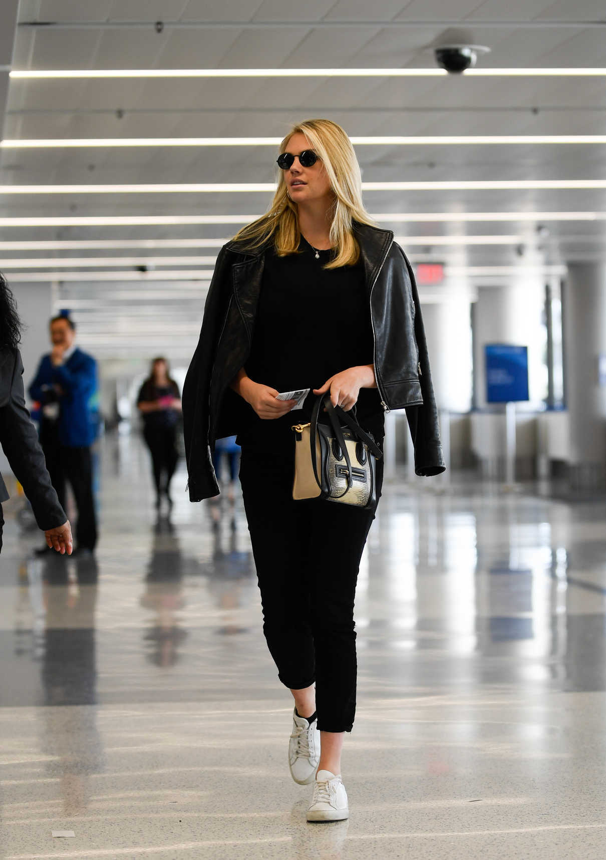 Kate Upton Was Seen at LAX Airport in LA 07/10/2018-1