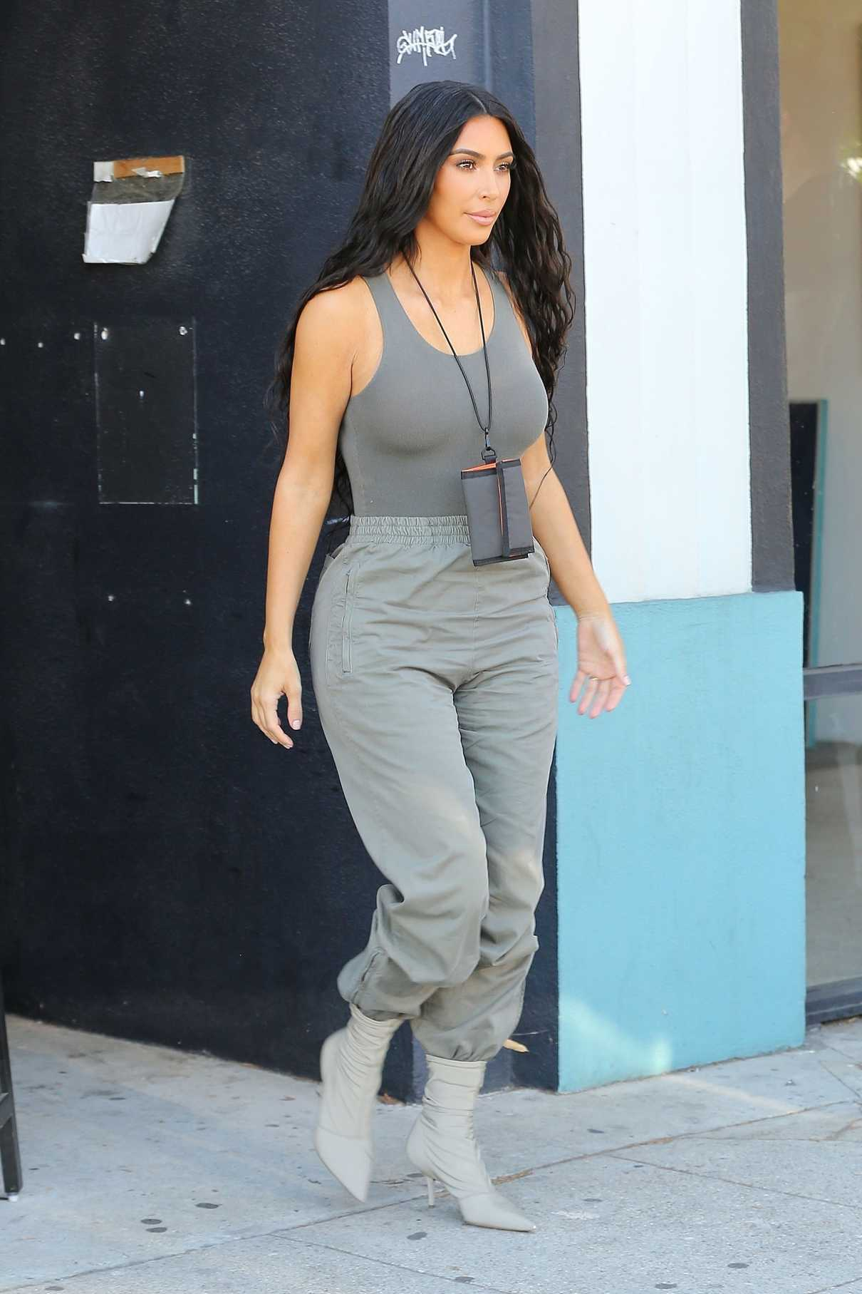 Kim Kardashian In A Moss Track Pants Arrives At Paint And