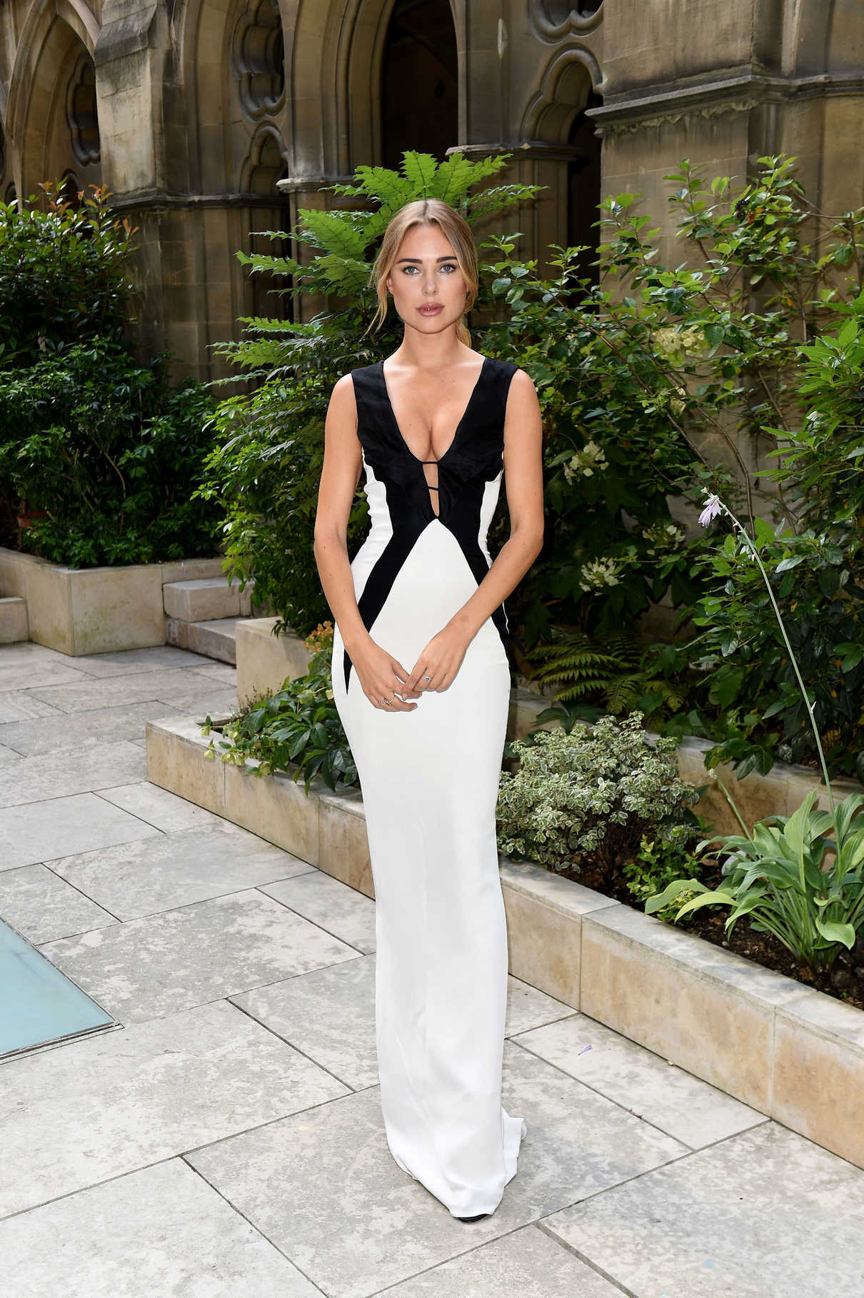 Kimberley Garner Attends the American Cathedral Church of the Holy Trinity in Paris 07/07/2018-1