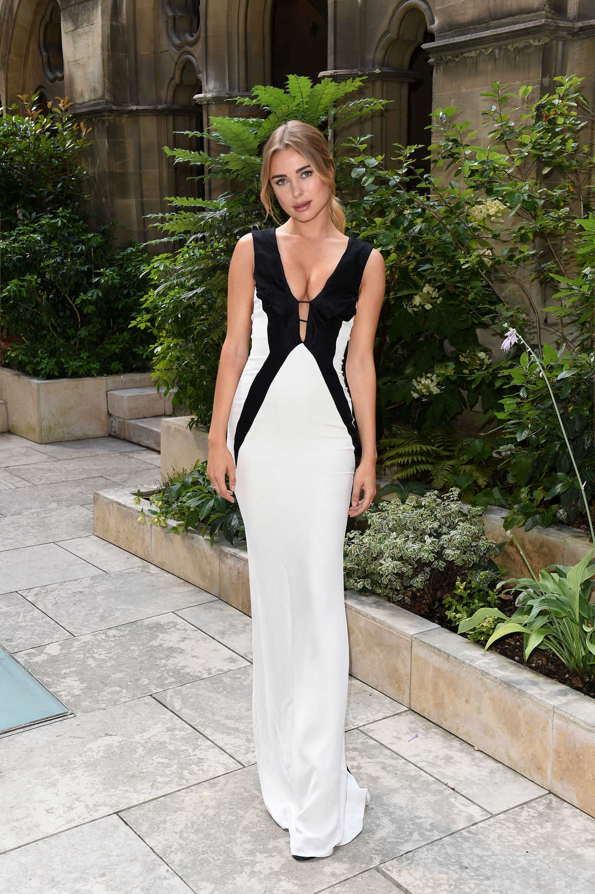 Kimberley Garner Attends the American Cathedral Church of the Holy Trinity in Paris 07/07/2018-2