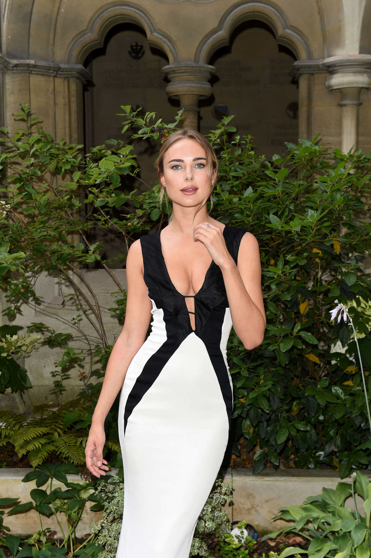 Kimberley Garner Attends the American Cathedral Church of the Holy Trinity in Paris 07/07/2018-5