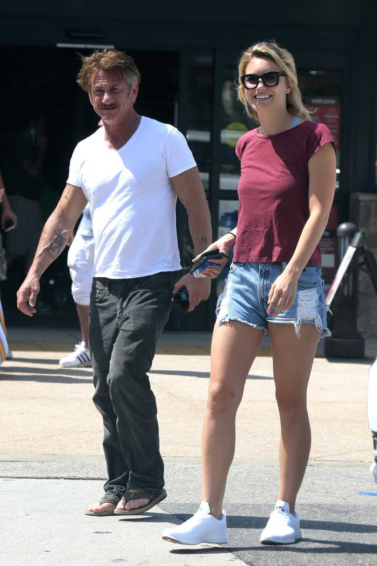 Leila George D'Onofrio Was Spotted Out with Sean Penn in Malibu 07/07/2018-4