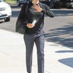 Jennifer Garner in a Gray Trousers