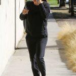 Jennifer Garner in a Red Trainers