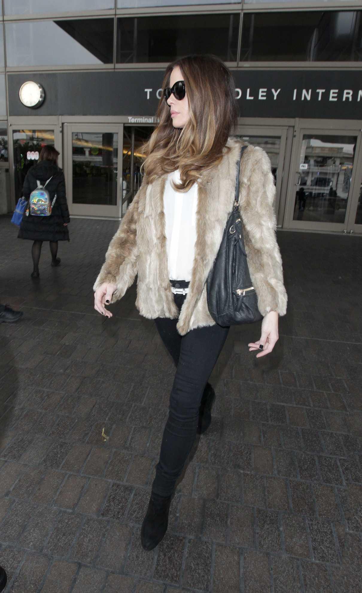 Kate Beckinsale in a Short Beige Fur Coat