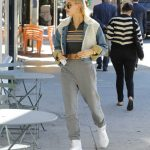 Hailey Baldwin in a Gray Sweatpants
