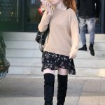 Isla Fisher in a Beige Sweater