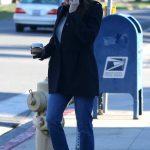 Jennifer Garner in a Gray Knit Hat
