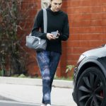 Gal Gadot in a Black Hoody Was Seen Out in Los Angeles 02/17/2019