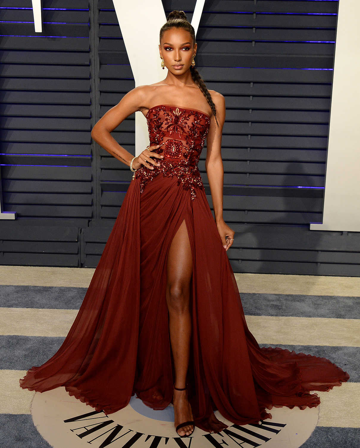Jasmine Tookes Attends 2019 Vanity Fair Oscar Party In Beverly Hills 02 24 2019 Lacelebs Co