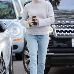 Jennifer Garner in a Gray Sweater