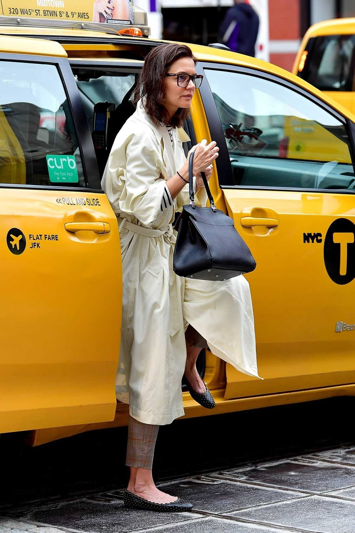 Katie Holmes in a White Trench Coat
