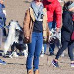 Olivia Wilde in a Beige Sheepskin Jacket