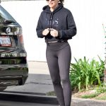 Jennifer Garner in a Blue Sneakers