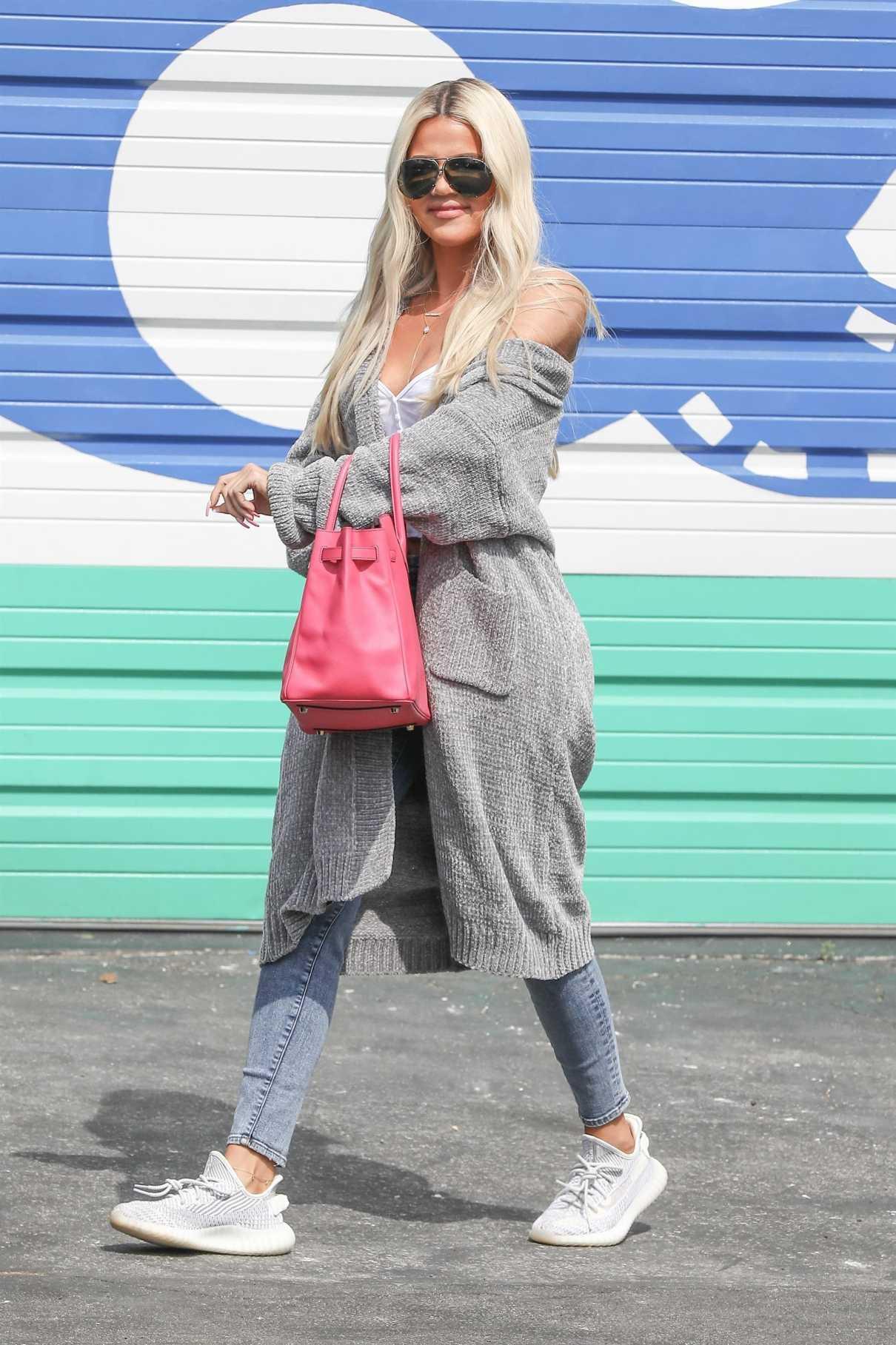 Khloe Kardashian in a Gray Cardigan