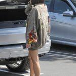 Kim Kardashian in a Gray Sweatshirt