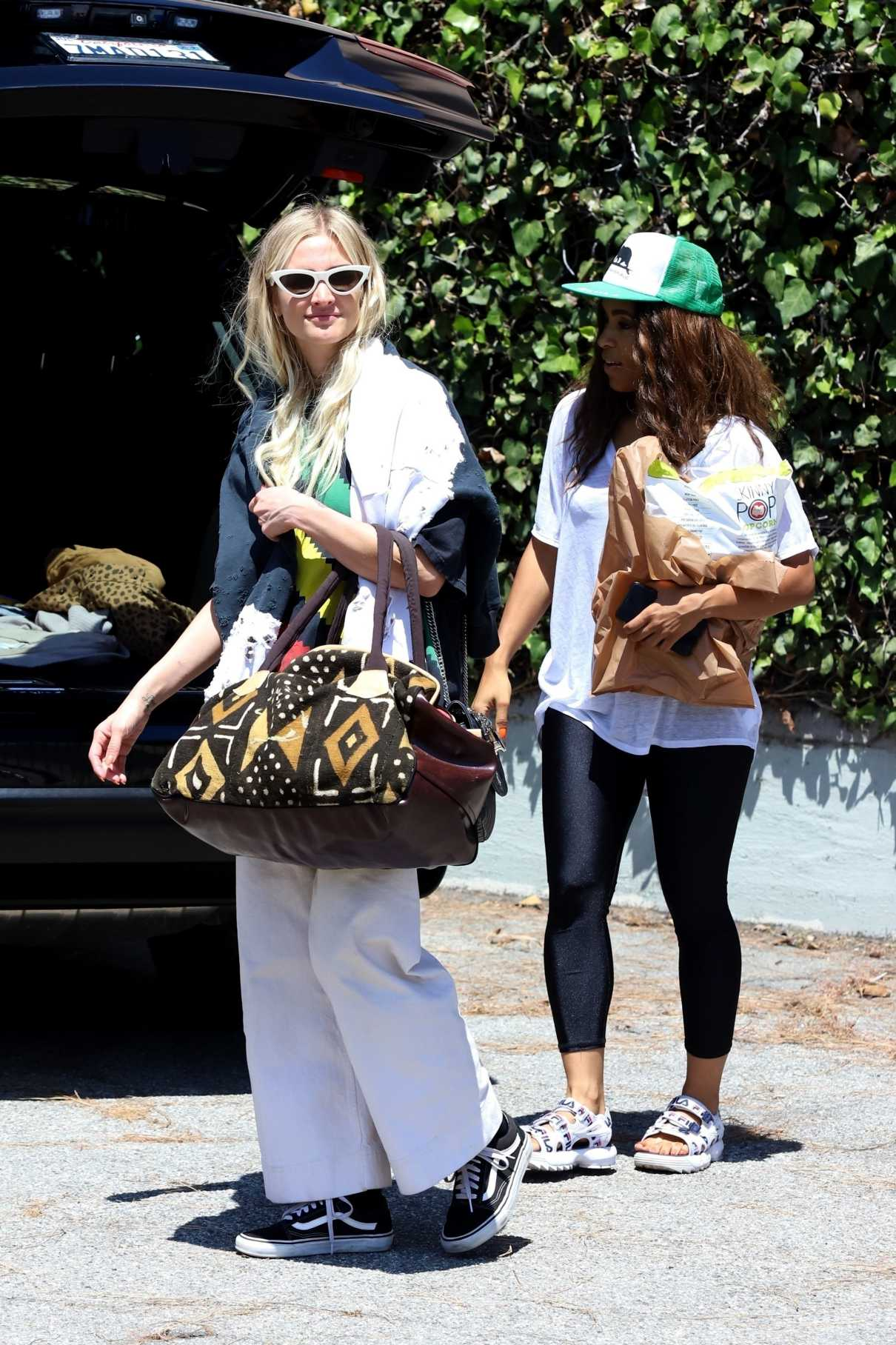 Ashlee Simpson in a White Pants