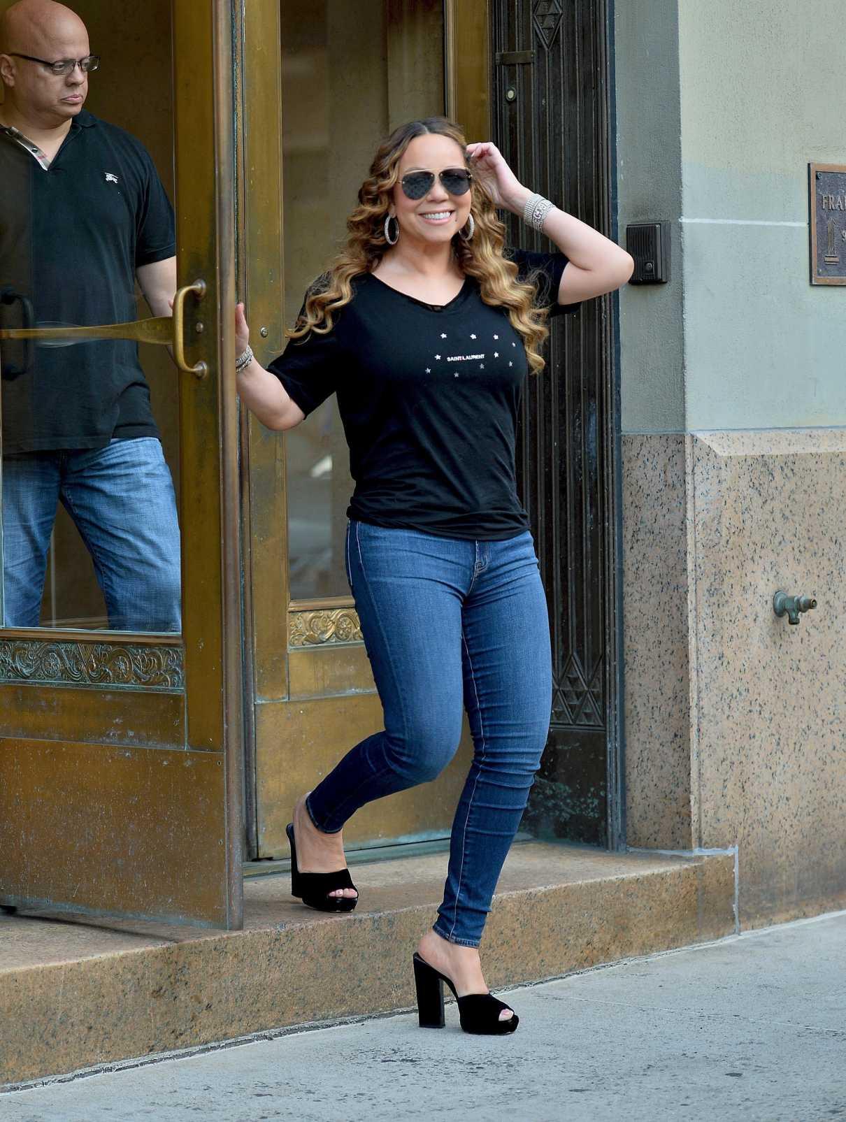 Mariah Carey in a Black Tee
