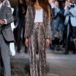 Zendaya in a Snakeskin Suit Arrives at the Tommy Hilfiger Show During NYFW in New York 09/08/2019