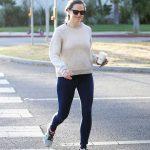 Jennifer Garner in a Gray Sweatshirt