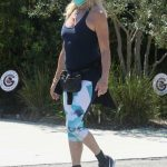 Goldie Hawn in a Face Mask Was Seen Out in Pacific Palisades 04/15/2020