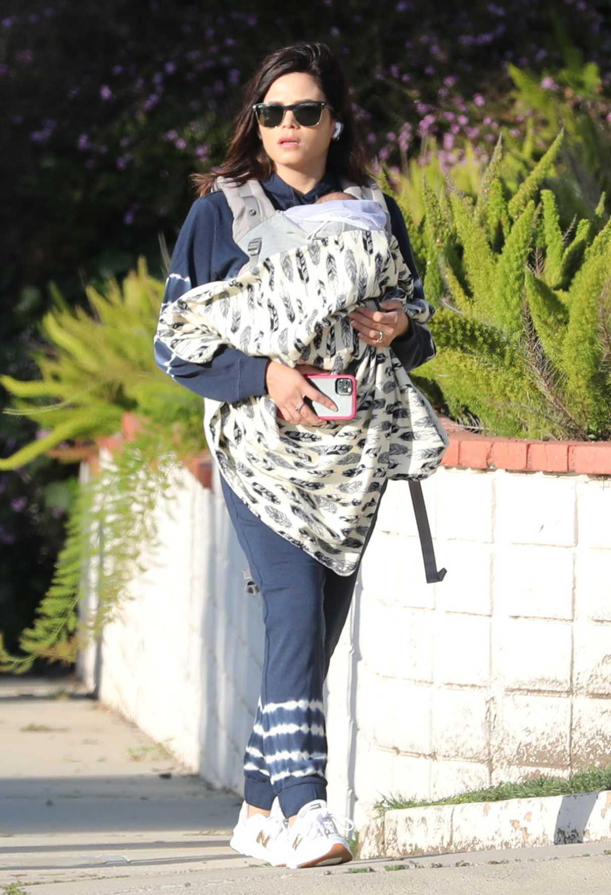 Jenna Dewan in a White Sneakers