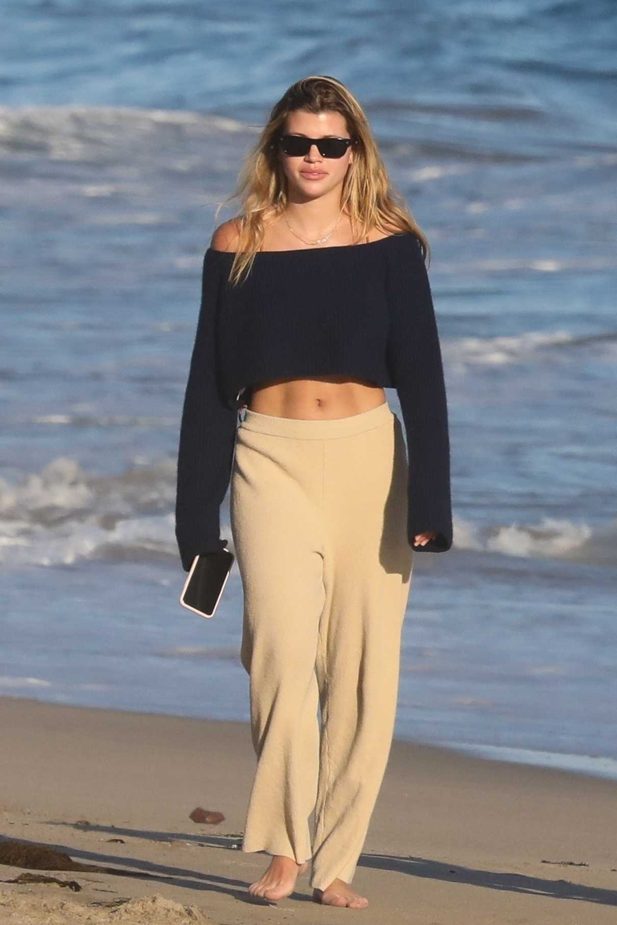 Sofia Richie in a Beige Sweatpants