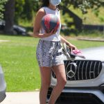 Gal Gadot in a Protective Mask Walks at Coldwater Park Out with Her Daughters in Beverly Hills 05/17/2020