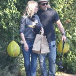Helen Hunt in a Gray Sweatshirt Has a Curbside Party for Her Daughter Makena with Her ex Matthew Carnahan in Brentwood 05/13/2020