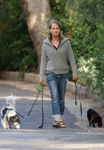 Helen Hunt in a Black Flip-Flops