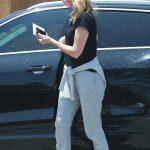 Laura Dern in a Gray Sweatpants