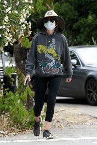 Lisa Rinna in a Gray Hoody