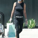 Lisa Rinna in a Protective Mask Was Seen Out in Los Angeles 06/13/2020